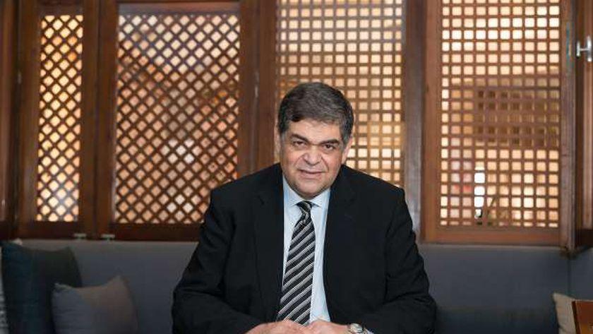 الدكتور أشرف حاتم .. وزير الصحة الأسبق