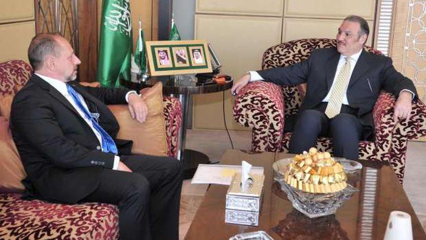سفير المملكة لدى مصر يلتقي سفير سلوفاكيا