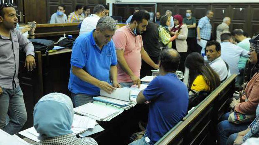 تزاحم قبل غلق باب التقديم لمجلس النواب أمس