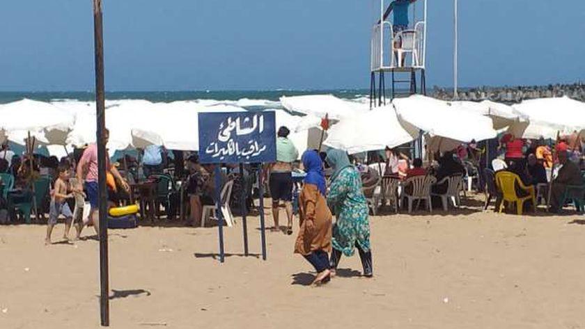 رفع الراية الحمراء في شواطئ الإسكندرية