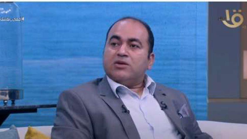 الدكتور أمجد الحداد رئيس قسم الحساسية بالمصل واللقاح