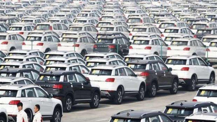 مصادر: سيارات الأجرة والنقل ستكون ملزمة بالإحلال.. ولا ترخيص جديد لها - أرشيفية