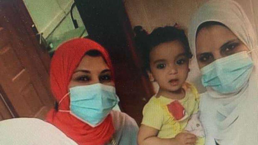 تعافي طفلة عمرها عام من كورونا وخروجها من العناية المركزة بعزل سوهاج