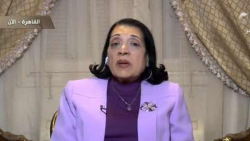 الدكتورة مايسة شرف الدين، أستاذ الأمراض الصدرية بالقصر العيني