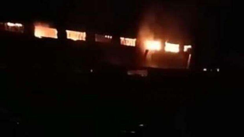 جهود مكثفة للسيطرة على حريق هائل في 4 مصانع كبرى بالمنوفية
