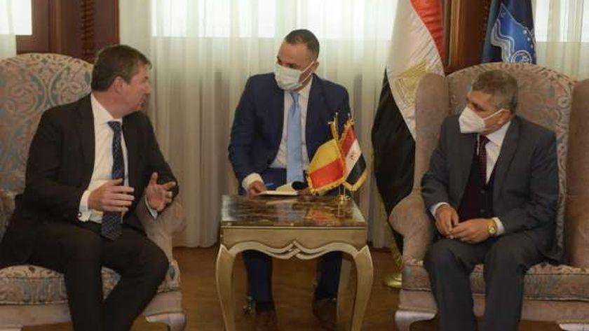 الفريق أسامة ربيع مع سفير بلجيكا السيد فرانسوا كورنيه دى الزيوس