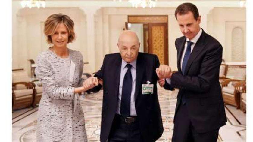 الرئيس بشار الأسد يكرم محمد دعبول