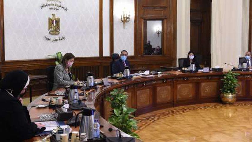 رئيس الوزراء يستعرض عناصر مبادرة «حياة كريمة» مع شركاء التنمية