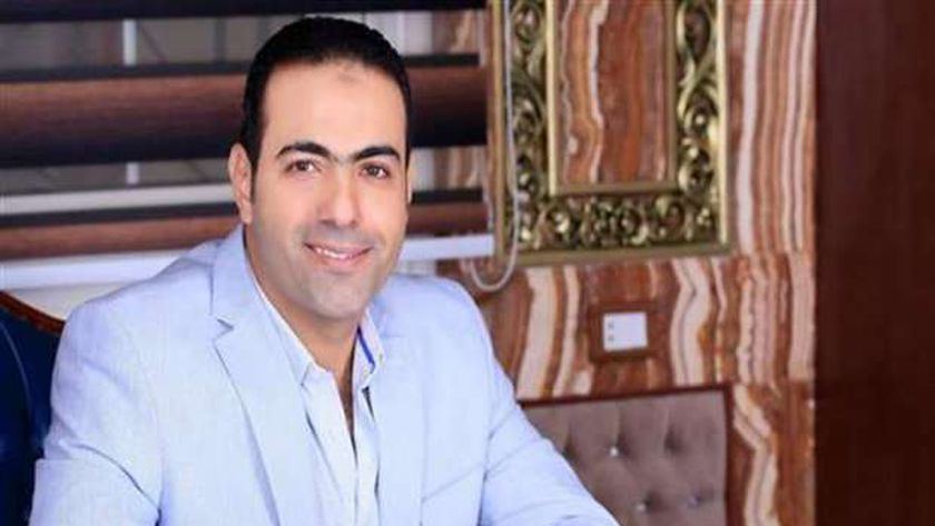دكتور محمود حسين