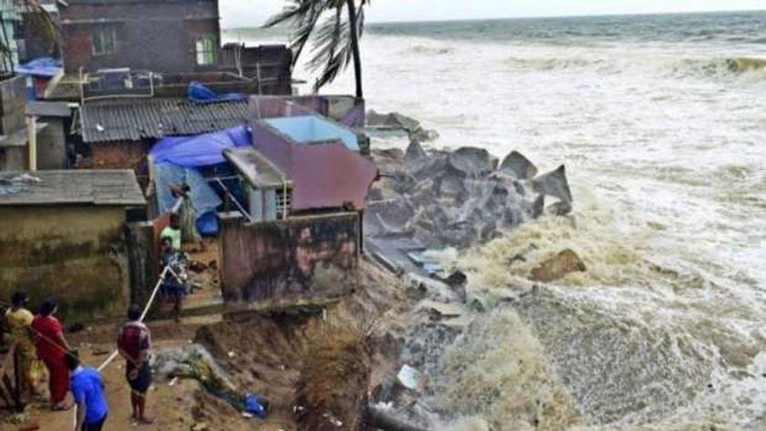 إعصار جولاب يتراجع في الهند