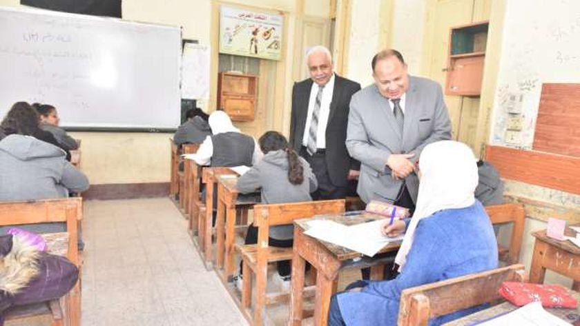 صورة أرشيفية لطلاب الشهادة الاعدادية أثناء أحد الامتحانات