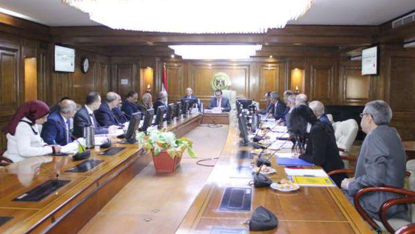 """وزير التعليم يترأس اجتماع مجلس وكالة الفضاء المصرية """"ارشيفية """""""