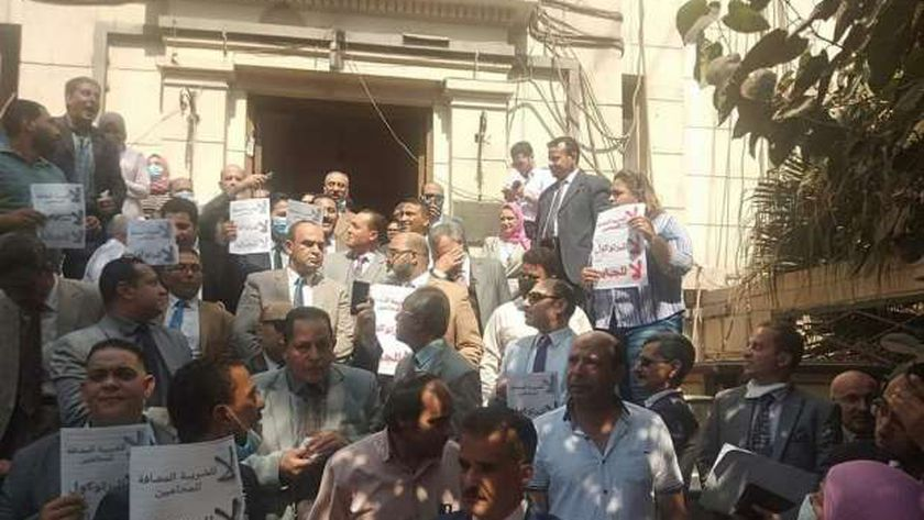 محامين محتجين
