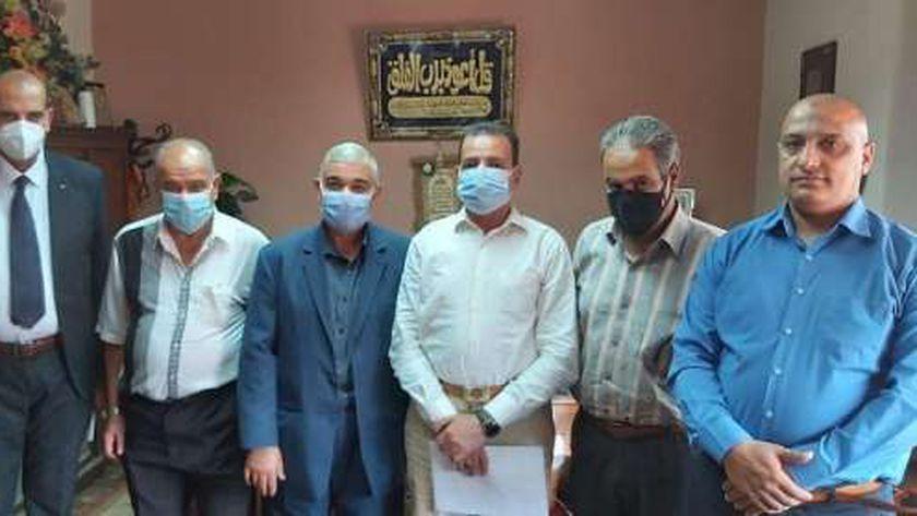 اجتماع رئيس الغرفة التجارية بكفر الشيخ مع مستشار وزير التموين