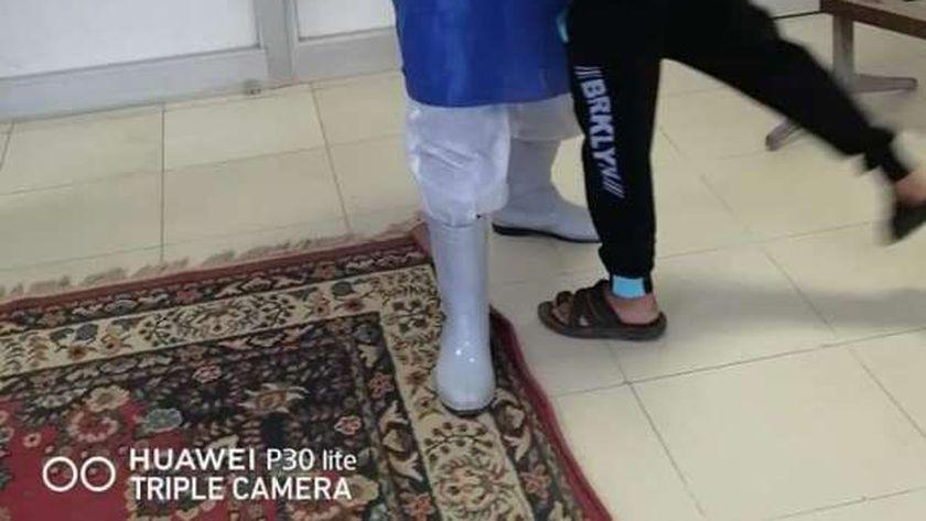 طفل عمره 10 سنوات يتعافى من كورونا في الشرقية