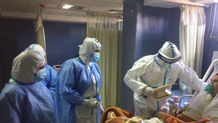 جلسات علاج طبيعي لمرضي كورونا في مستشفيات العزل بالشرقية