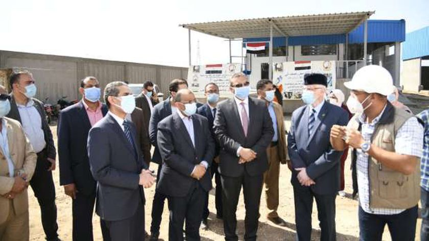 وزير التنمية المحلية ومحافظ الغربية يتفقدان أعمال المجزر بطنطا
