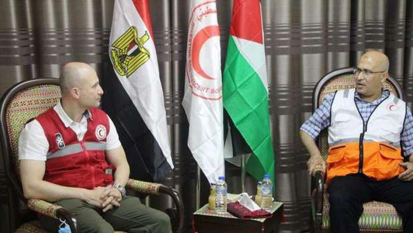 الهلال الأحمر المصري يزور قطاع غزة.. ويقدم الدعم لنظيره الفلسطيني