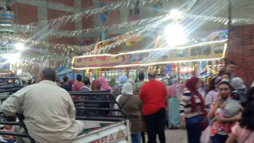 ازدحام شديد بملاهي السيوف بالإسكندرية في أخر أيام عيد الفطر