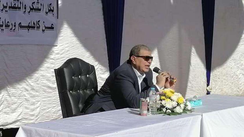 محمد سعفان وزير القوى العاملة يبحث مشاكل الصيادين بالغردقة
