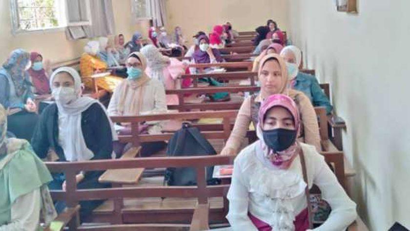 طلاب كلية الزراعة جامعة الإسكندرية
