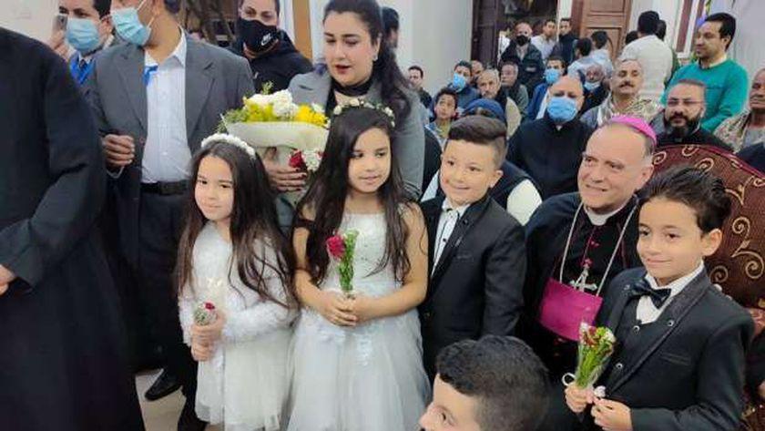 صورة سفير الفاتيكان يشهد الاحتفالية السنوية الأولى لمطرانية أبو قرقاص – المحافظات