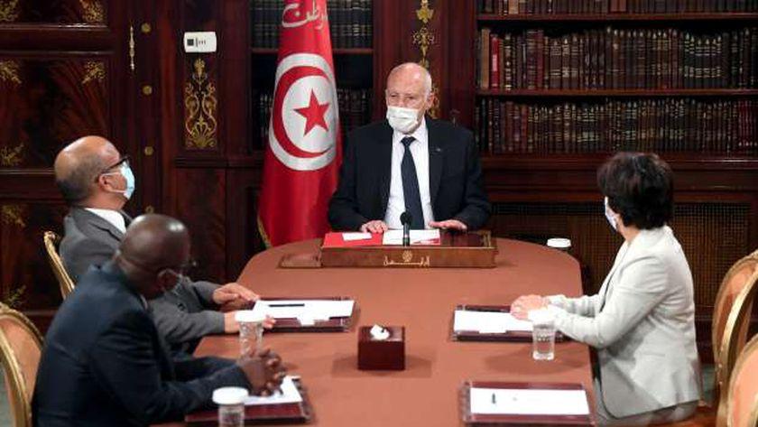 الرئيس التونسي قيس سعيد خلال لقائه رؤساء مجلس القضاء الأعلى (أرشيفية)