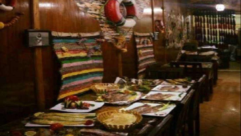 مطعم يقدم حفلاً للفسيخ والرنجة