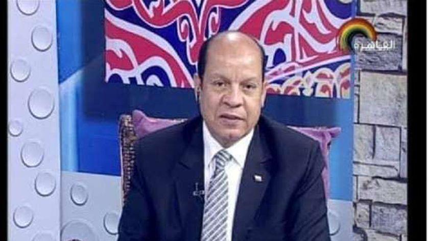المذيع محمود الشيمي
