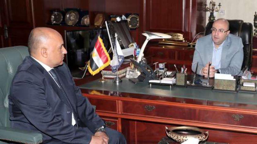 محافظ بني سويف يلتقي وكيل وزارة التعليم