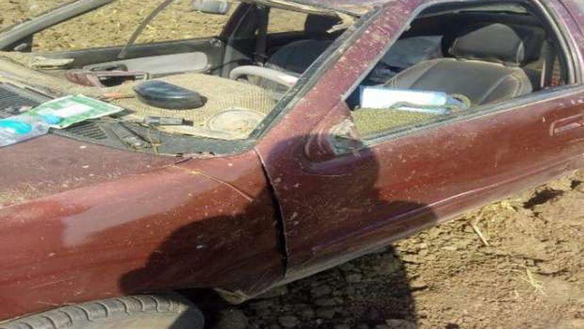 بالأسماء – إصابة 5 أشخاص في حادث انقلاب سيارة بالفيوم