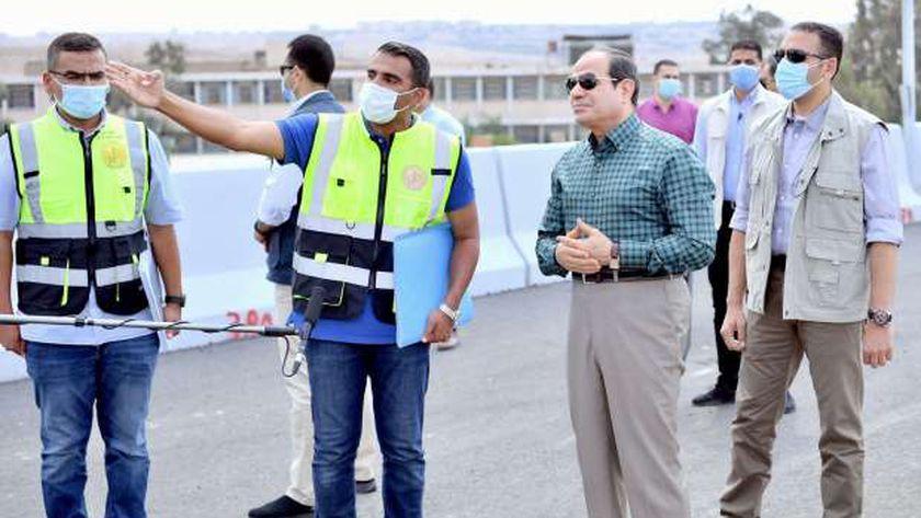 الرئيس السيسي يتفقد محور جيهان السادات «صور»
